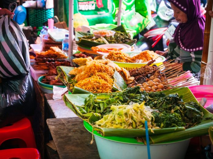 Must Try Street Foods In Indonesia For Budget Dining