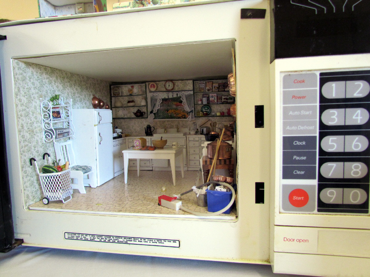 kitchen miniature companies that spray paint cabinets miniatures a small world with big heart travels trips tails sonia made this awesome scene inside an old broken microwave oven it had