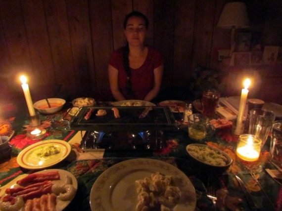 We had brought a hot stone cooker to try it out for our Christmas vacation and it was awesome! Cooking shrimps and chicken with our homemade sauces was amazing, better than a fondue and we had a great supper even with the power failure!