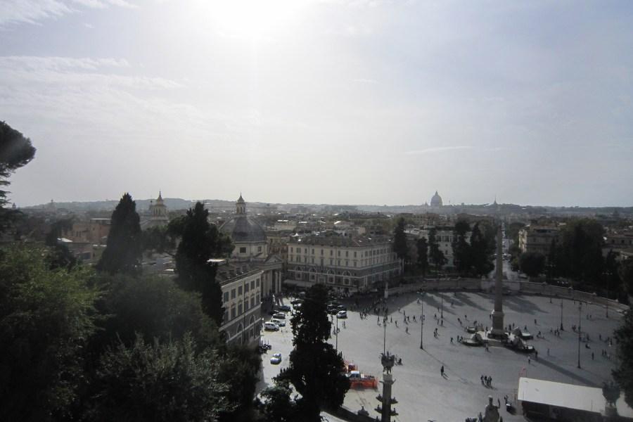Piazza del Popolon keskellä seisoo egyptiläinen obeliski, joka sijaitsi antiikin aikana Circo Massimolla © Hannah Cook Flickr.com CC