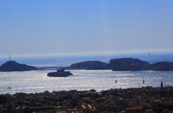 Sininen hetki Marseillessa. © yama