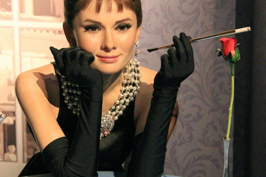 Audrey Hepburn Madame Tussaudsilla. Kuva: Karen Roe, flickr.com. CC BY 2.0)