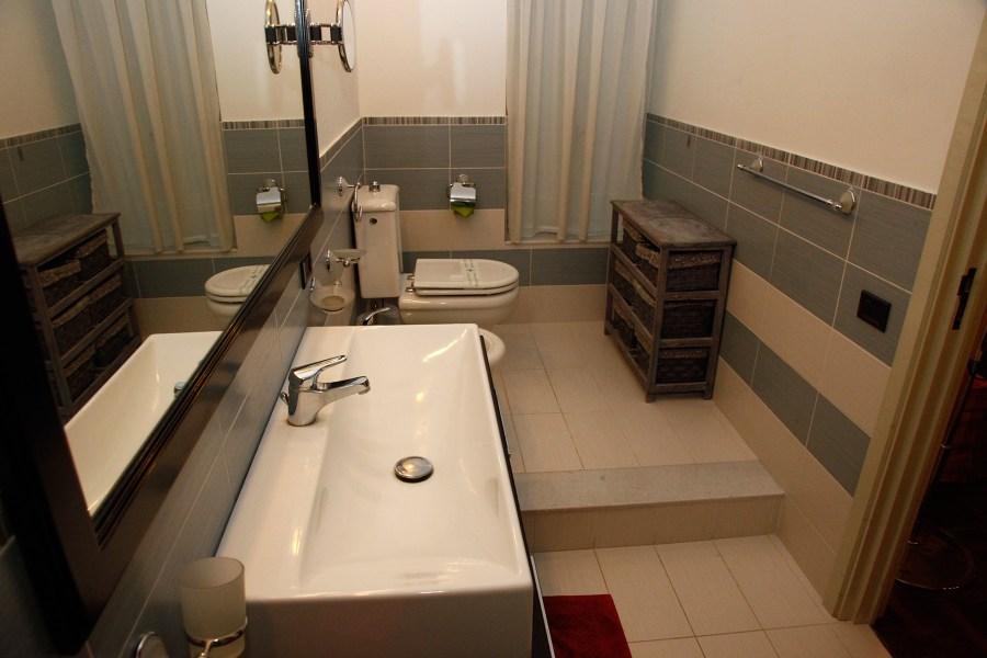 Huoneissa on omat kylpyhuoneet © Cocus Inn
