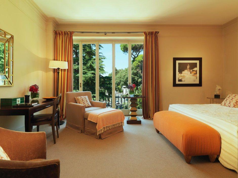 Hotel de Russie - Deluxe Room © Rocco Forte Hotels