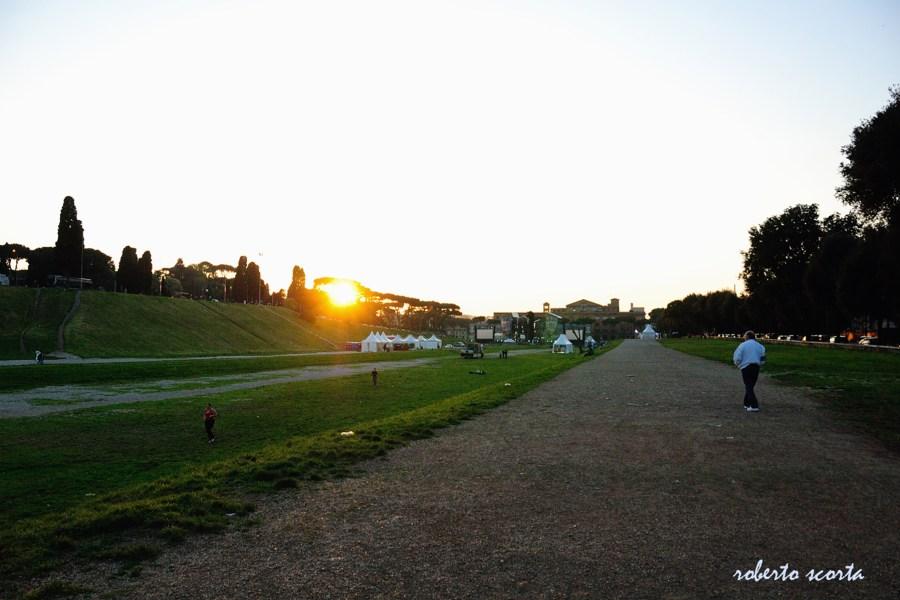 Ilta-aurinko Circo Massimolla © Roberto Scorta Flickr CC