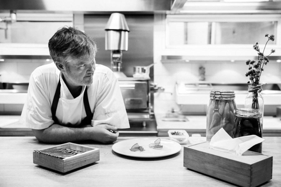 Mathias Dahlgren keittiössään Matbarenissa. Kuva: http://mdghs.se, CC BY 3.0