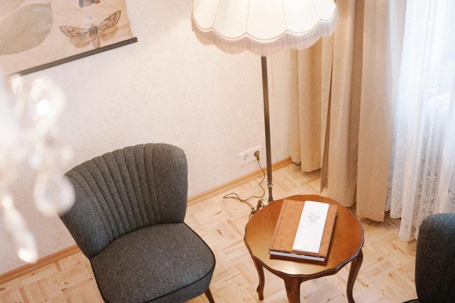 Hotelli on sisustettu 50-, 60- ja 70-lukujen hengessä. Kuva: Hotel am Brillantengrund.