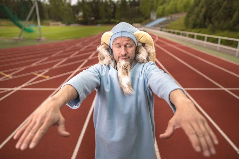 Herra Hakkaraisen suuri urheiluesitys. Kuva: Ingemar Raukola