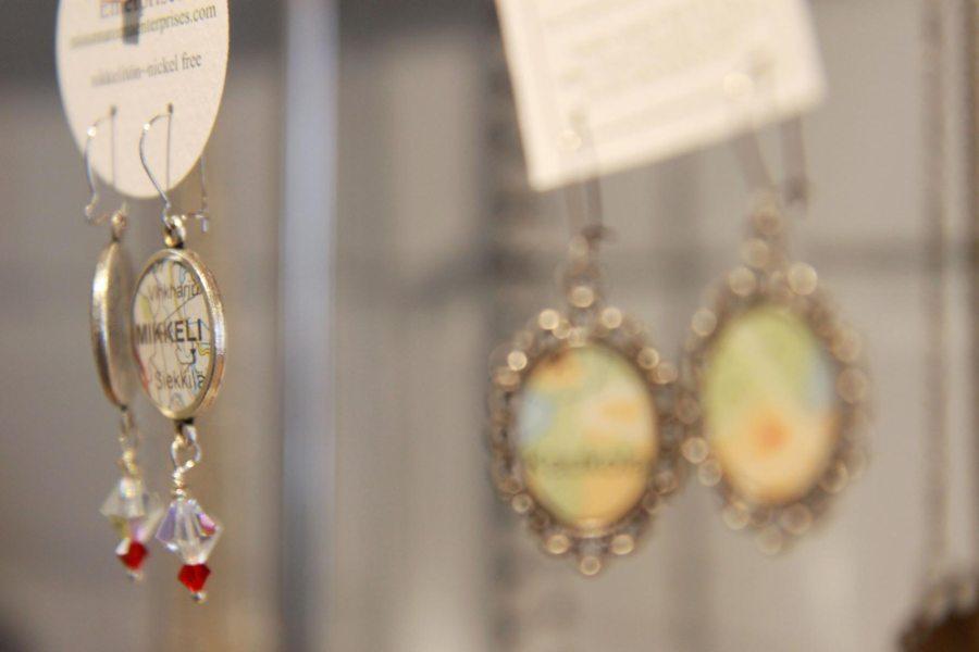 Design Lab Luomossa on myös Miss Mureenan koruja.