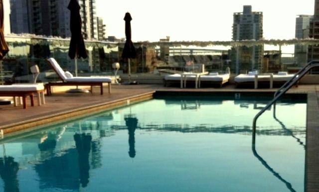 Hotel Andaz Rooftop Pool. San Diego luxury pools. Trip Wellness