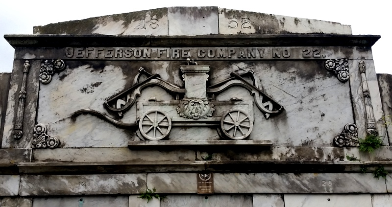 A few tombs memorialize heroes and workers from New Orleans past.