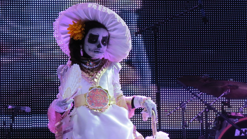 Royal bearing displayed at the Catrina competition in La Paz Mexico