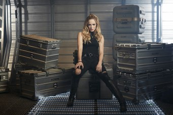 Pictured: Caity Lotz as Sara/White Canary -- Photo: Brendan Meadows/The CW © 2015 The CW Network, LLC. All rights reserved.