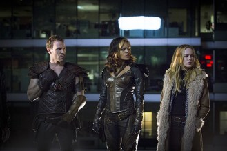 "DC's Legends of Tomorrow -- ""Pilot, Part 1"" Pictured (L-R): Falk Hentschel as Carter Hall/Hawkman, Ciara Renee as Kendra Saunders/Hawkgirl and Caity Lotz as Sara Lance -- Photo: Jeff Weddell/The CW © 2015 The CW Network, LLC. All Rights Reserved."