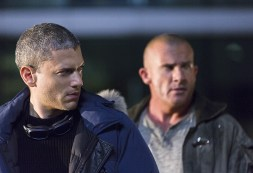 """DC's Legends of Tomorrow -- """"Pilot, Part 1"""" Pictured (L-R): Wentworth Miller as Leonard Snart/Captain Cold and Dominic Purcell as Mick Rory/Heat Wave -- Photo: Jeff Weddell/The CW © 2015 The CW Network, LLC. All Rights Reserved."""