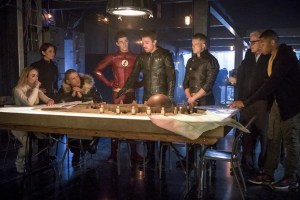 Even More New Photos Appear From The CW DC TV Crossover