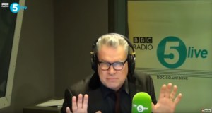 Mark Kermode Reviews Knives Out