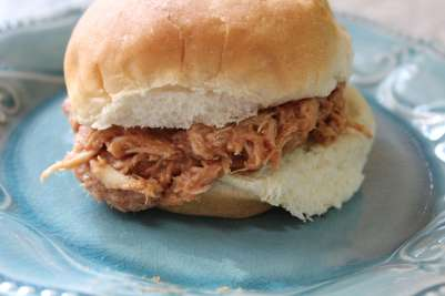 barbecue shredded chicken sandwich