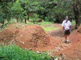 trish hiking aiea loop side trail