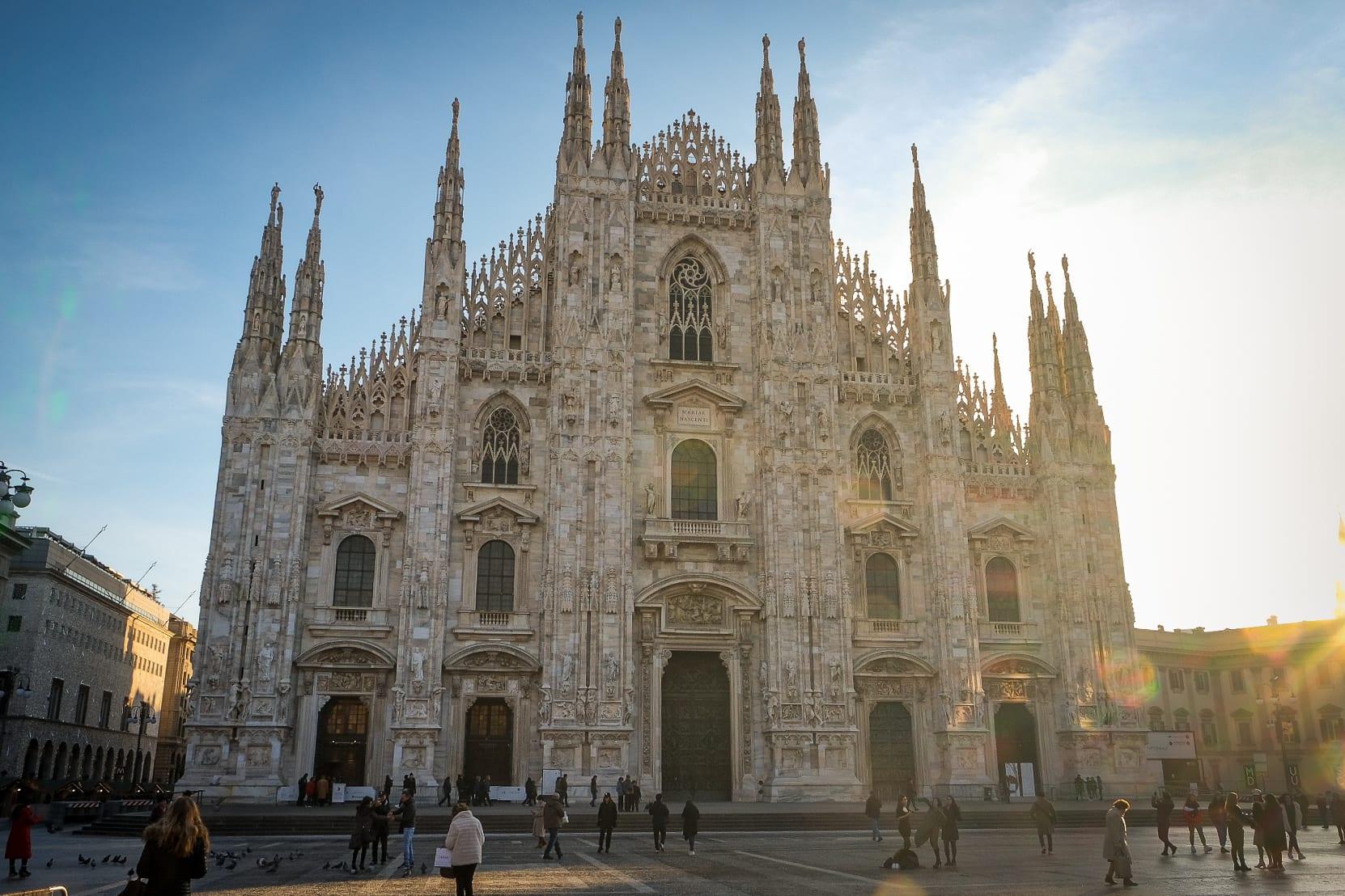 Vue sur le Duomo de Milan, capitale de la mode