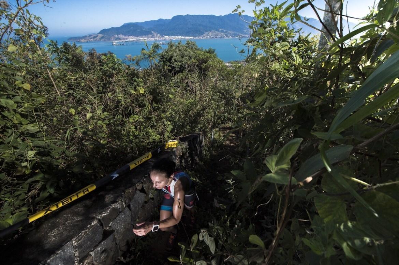 Sabrina Gobbo, campeã do short triathlon XTERRA Ilhabela - Foto: Thiago Diz