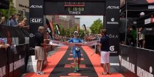 Julie Gager, campeã do Ironman Texas e vaga automática para Kona. Foto: Ironman.com