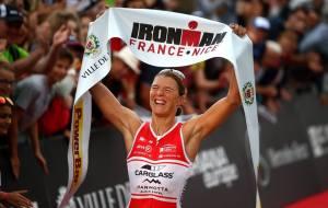 Tine Deckers, campeã do Ironman França após um ciclismo avassalador. Foto: Ironman Europe