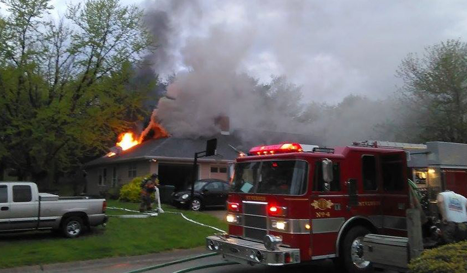 mt vernon house fire 2_1461262362459.jpg