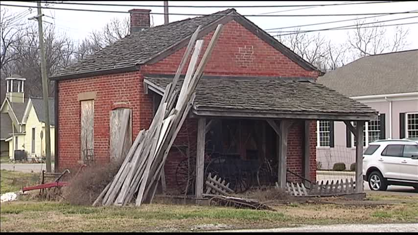 Newburgh Town Council to Hear Update on House Being Moved_53231280-159532