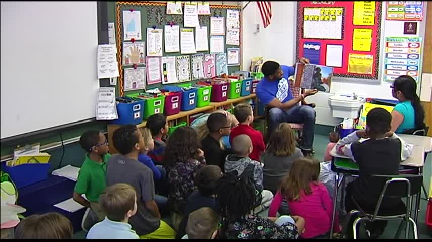 Community Members Read to Students for Black History Month