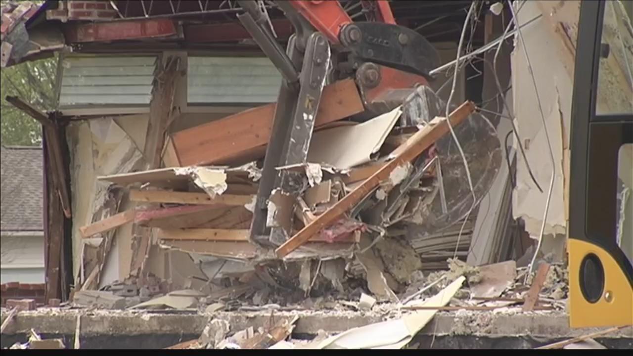 Demolition_begins_on_Mayfair_Square_Buil_0_20180419231531