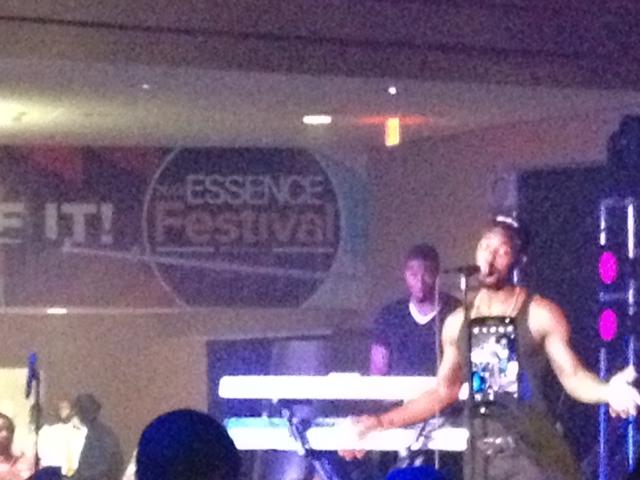 Luke James Singing superlounge superdome essence music fest
