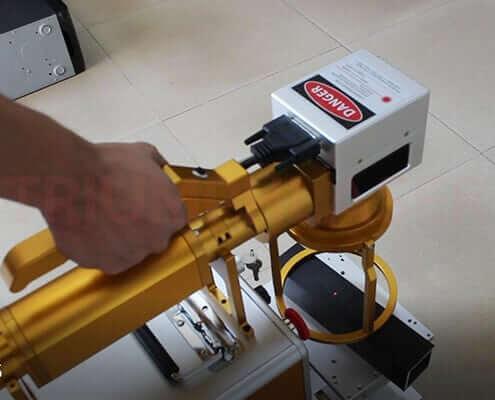 Hand Held Fiber Laser Marking Machine Laser Engraving On