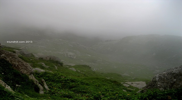 Thick Fog on the way to Indrahar Pass