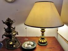 Herbstdekoration Tischlampen und Deko antik
