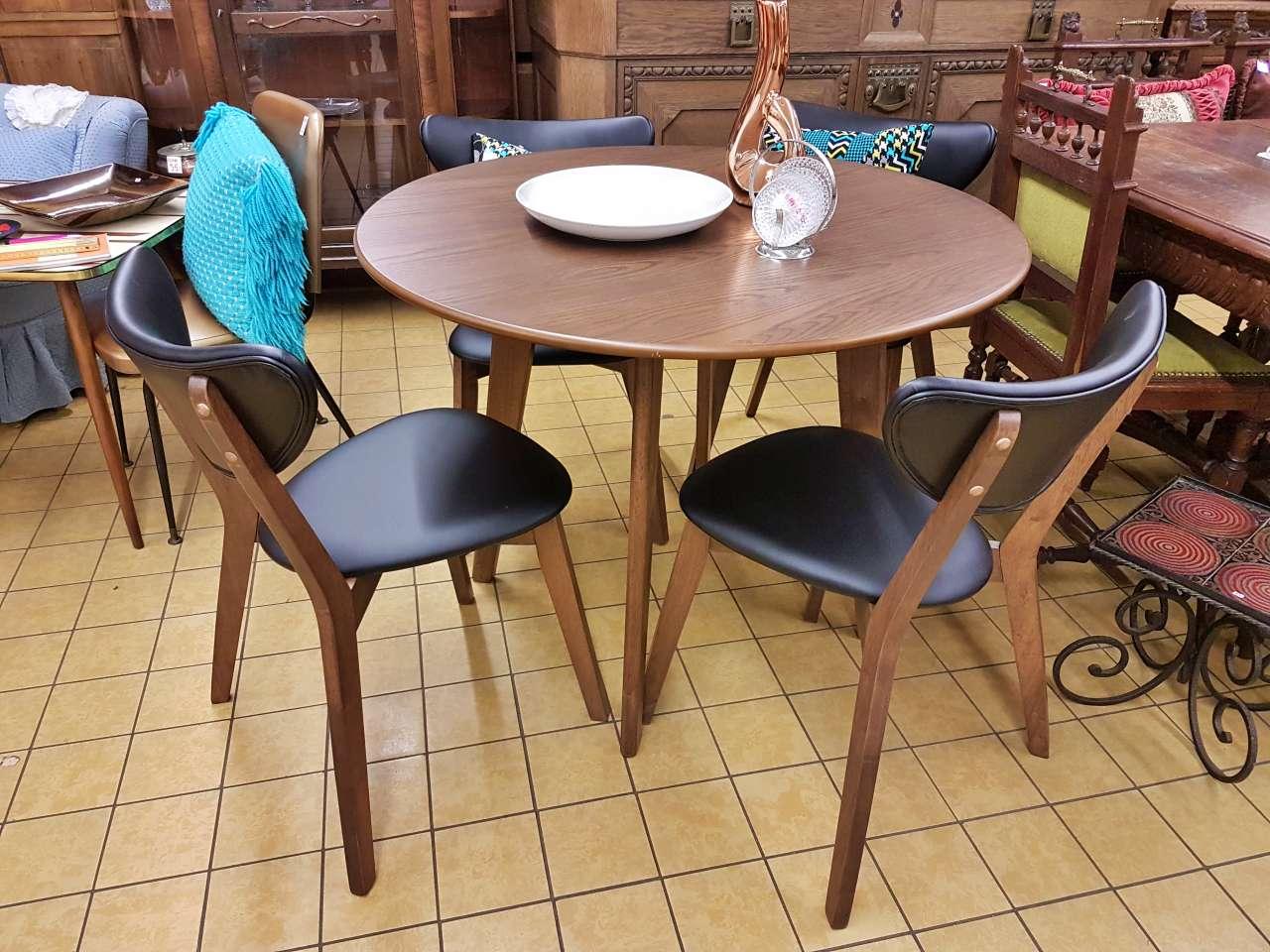 Esstisch mit 4 Stühlen retro-Look