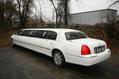 2007-120-federal-limousine-10passenger-limo-coach-07