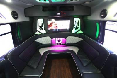 Limo-Bus-22-Passenger-Party-Bus-no10-1