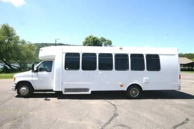 Limo-Bus-22-Passenger-Party-Bus-no10-17