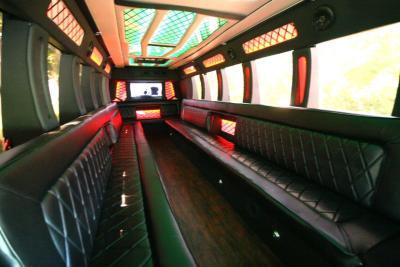 limo-coach-22-passenger-TT-44-03