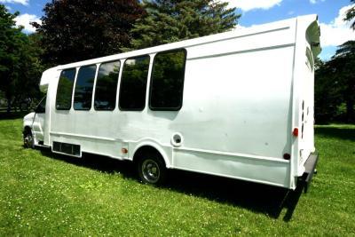 limo-coach-22-passenger-TT-44-16