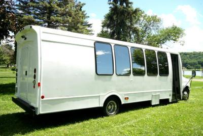 limo-coach-22-passenger-TT-44-20