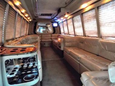 1999-Krystal_Limo_Bus-24-Passenger-12
