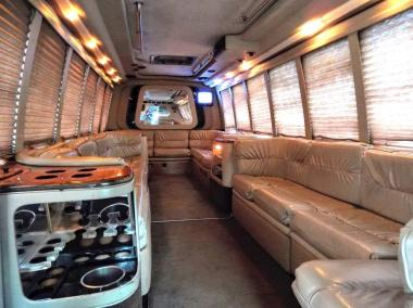1999-Krystal_Limo_Bus-24-Passenger-18