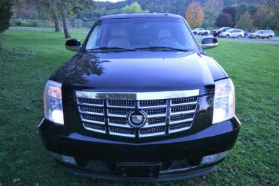 04-2008-Cadillac-Escalade-SUV-Limo