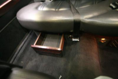 2014-MKT-Lincoln-Town-Car-120_SUV-Limo-20