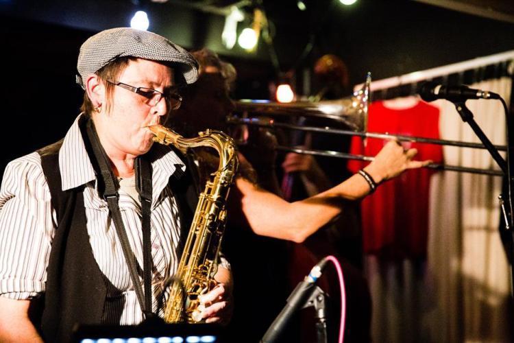 Vonnstar & Trombone Kellie Dueling Horns