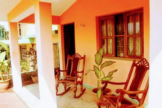 La Casa Naranja Vintage Vacation