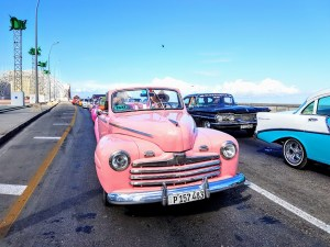 Classic Car of Havana by tropicalcubanholiday.com
