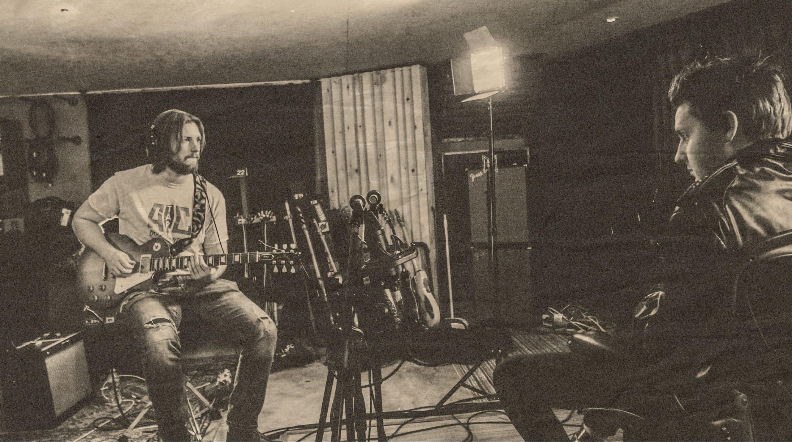 Alternative Radio en Sabado Intenarnacional de Tropical Punk Records